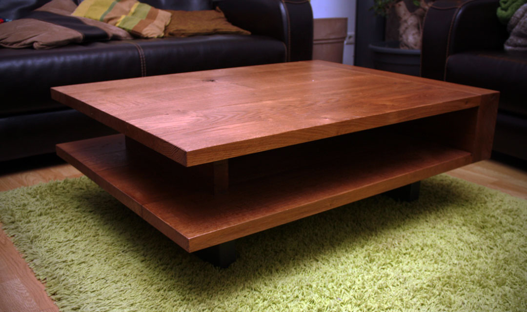 Table basse en ch ne massif pi tement en m tal laqu gris for Tables gigognes en bois